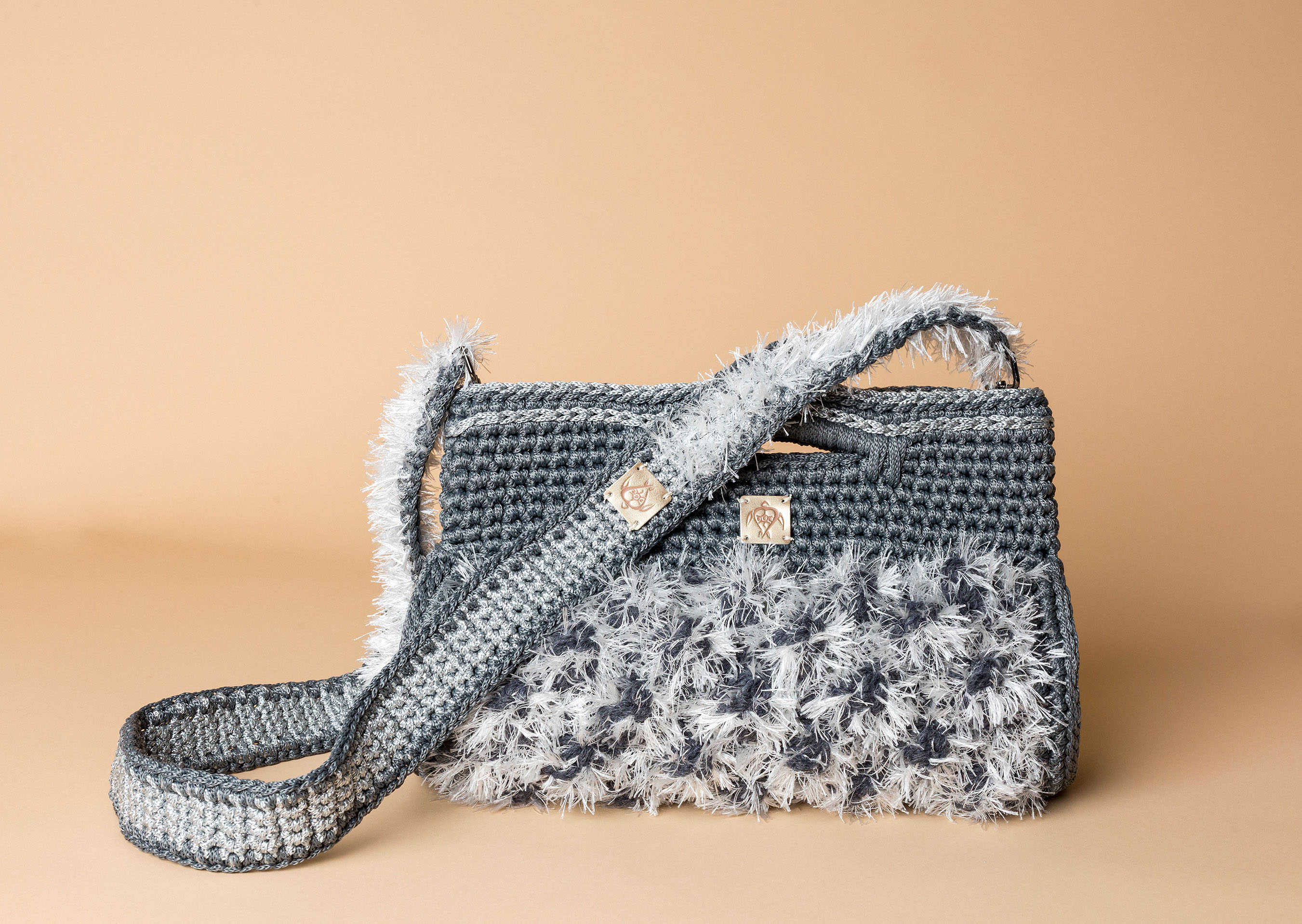 knitted handbag in grey