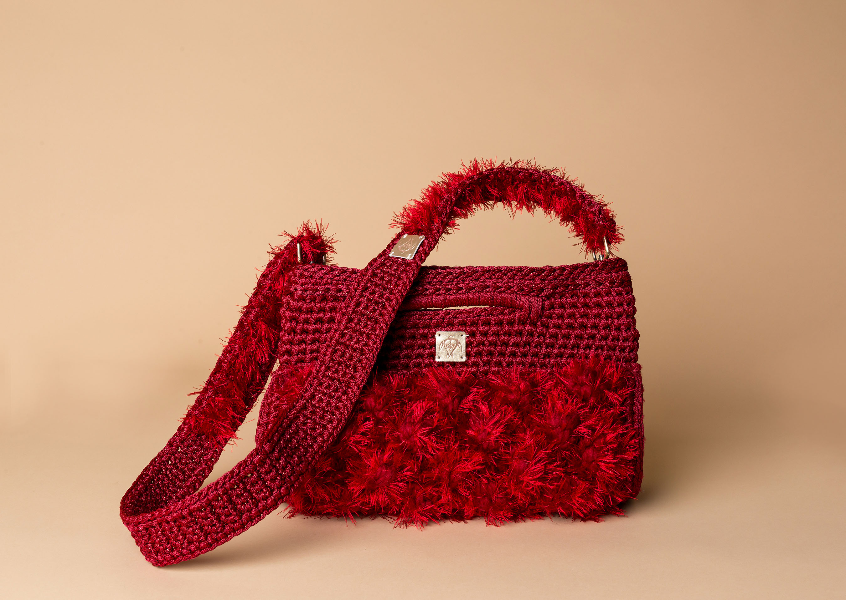 knitted handbag in red