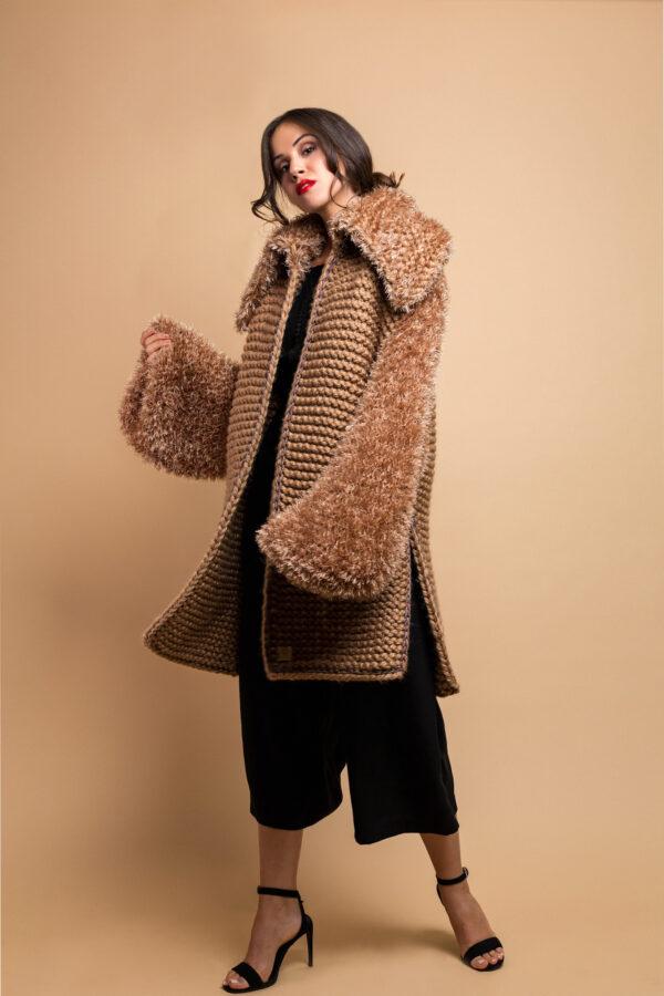 handmade knitted coat cardiganin camel