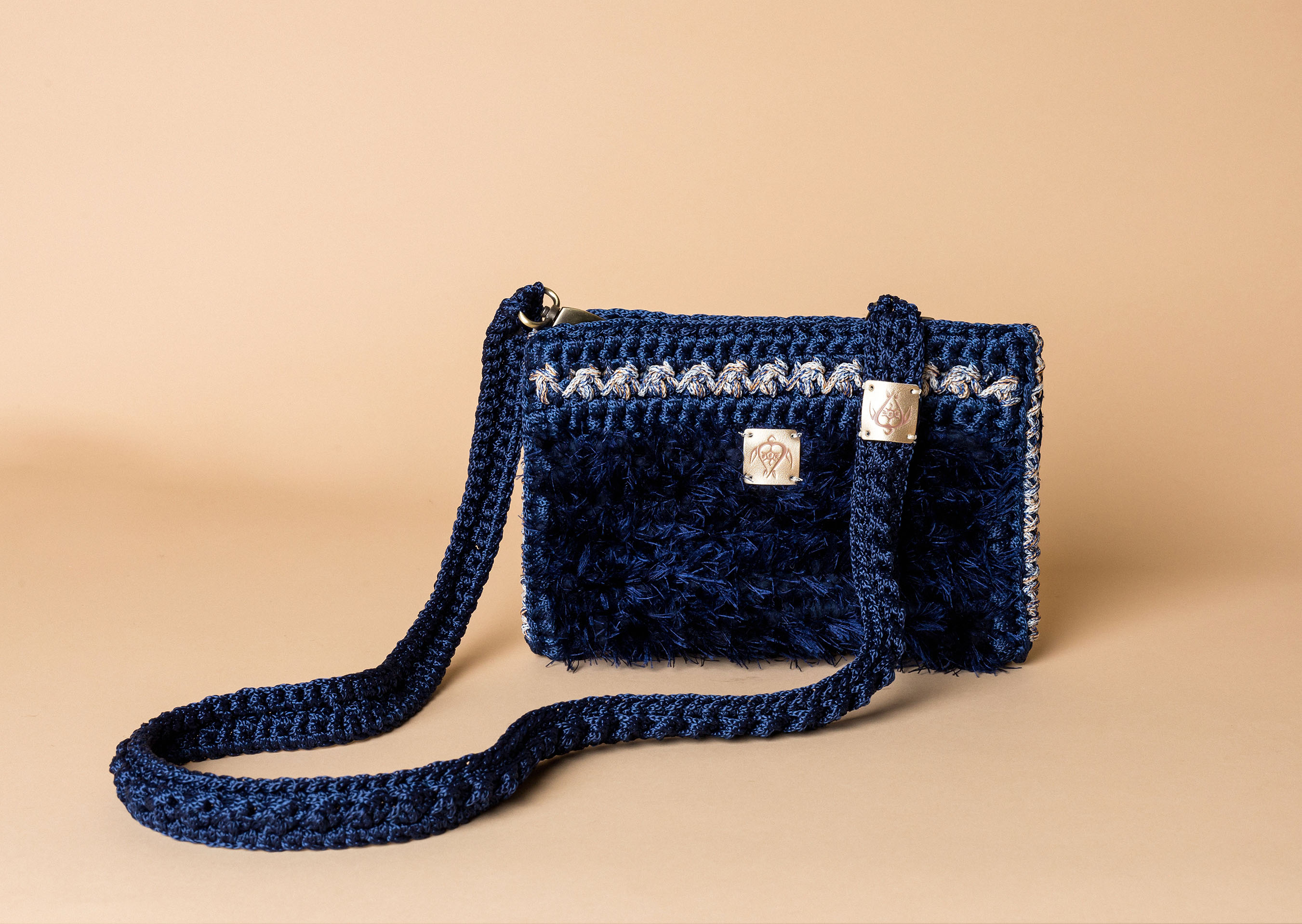 knitted bag petit in midnight blue