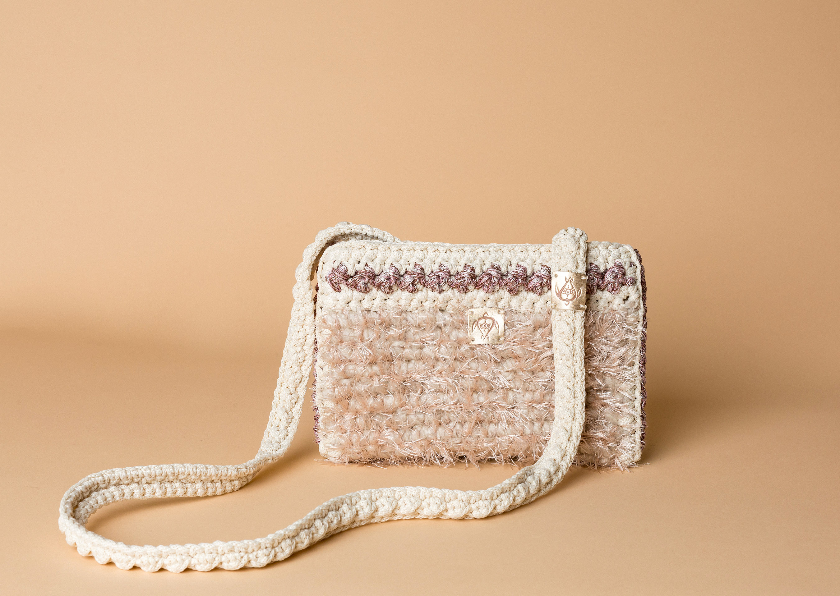 knitted bag petit in off white