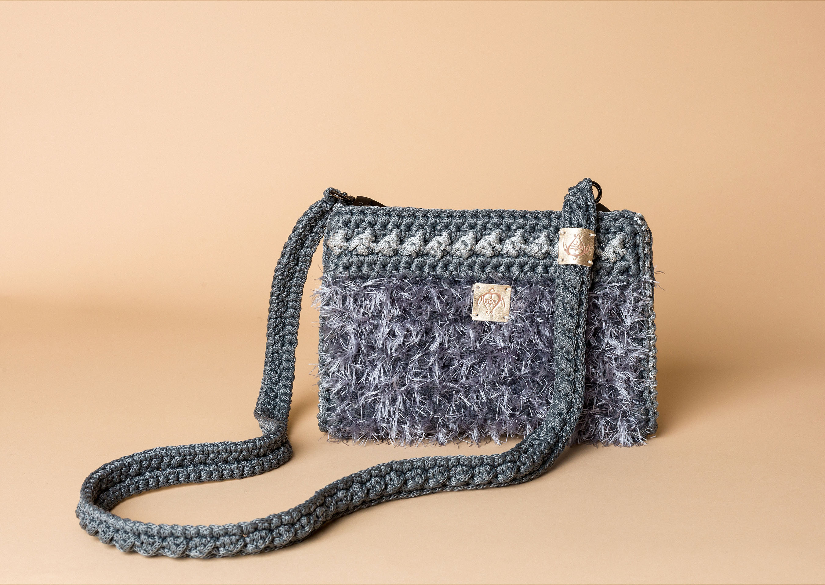 knitted bag petit in grey