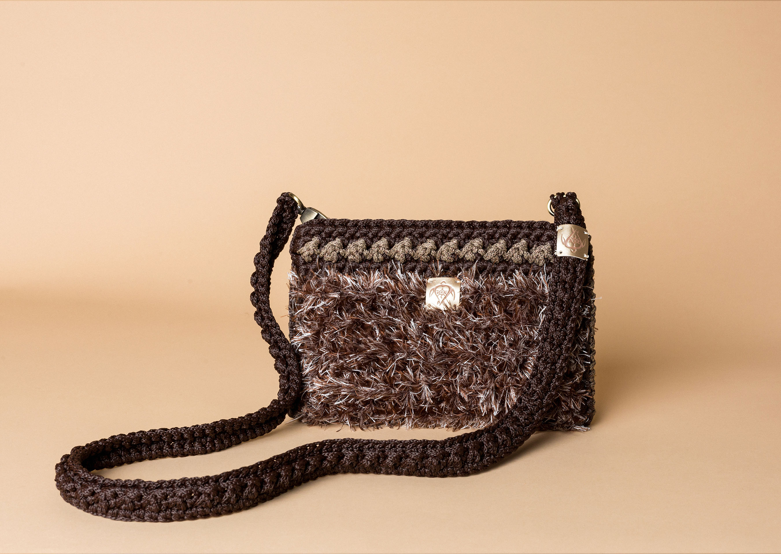 knitted bag petit in brown