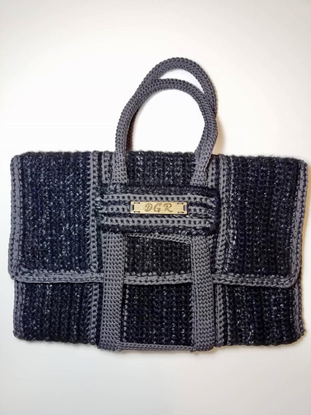 Crochet Bag in black/grey
