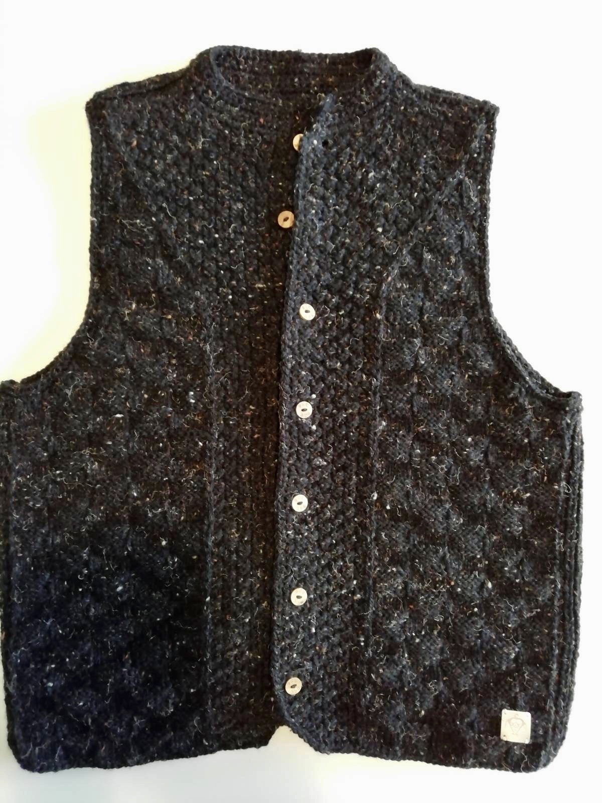 Handmade knitted vest black