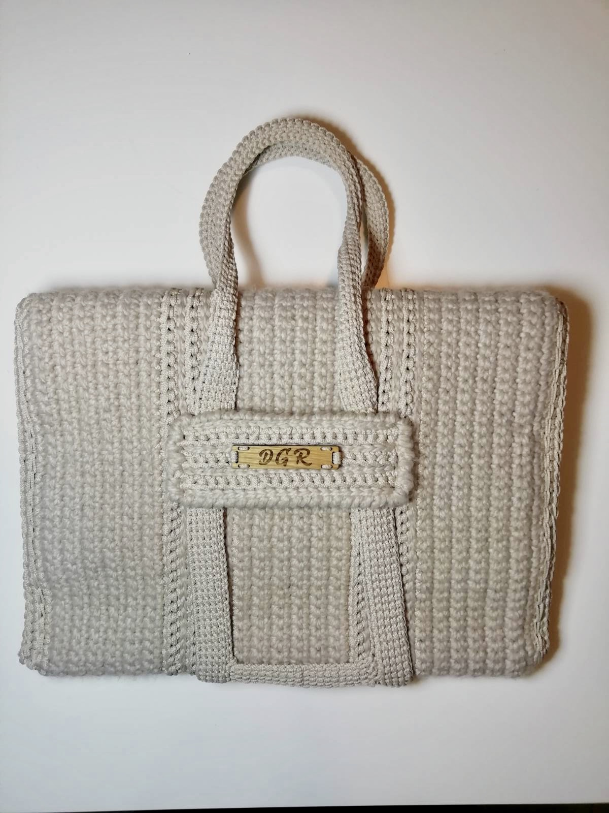 """""""Curly Horse"""" crochet Bag in ivory"""