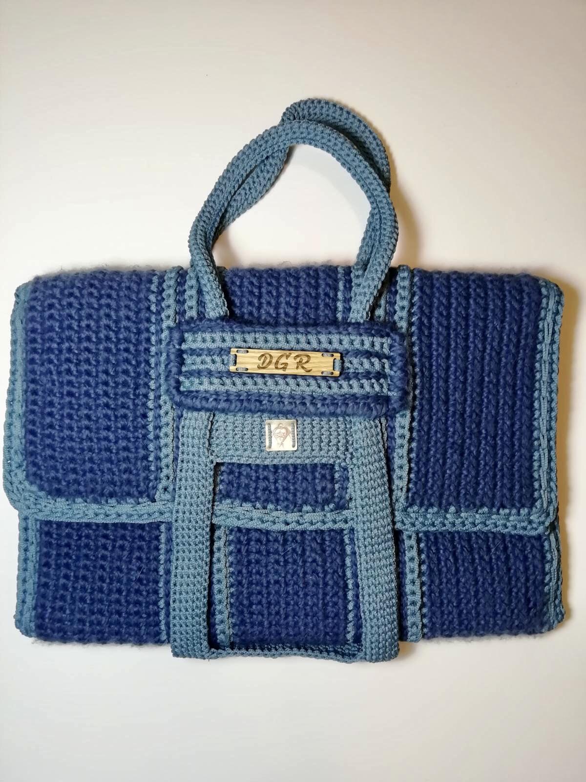 Crochet Bag in blue/steel blue