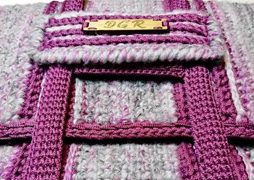 Crochet Bag in grey/fuchsia